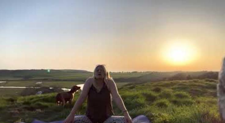 Eva Kristlova - Slow Sunset Yoga