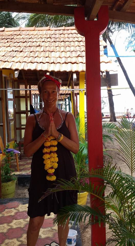 Quick interview with your Yoga Teacher – Linzi Kent
